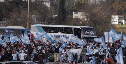 La afición y la presidenta reciben a Argentina en Buenos Aires