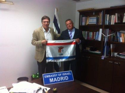 El embajador de Israel apoya el proyecto de Castrillo Matajudíos (Burgos) para mostrar el legado judío de la localidad