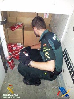 Incautación de tabaco de contrabando en La Farga de Moles