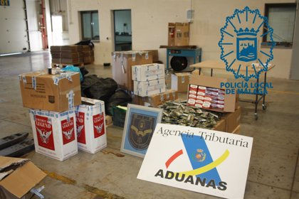 Arrestado un hombre que llevaba 2.400 cajetillas de tabaco y 5.584 bolsas de picadura de contrabando