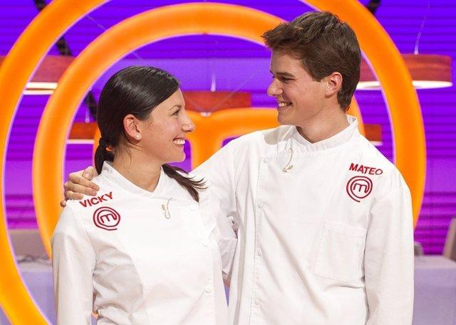 Vicky y Mateo se convierten en los finalistas de Masterchef