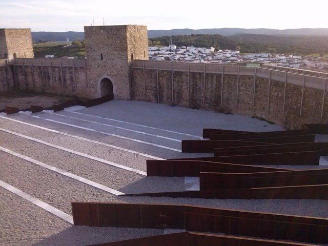 El castillo de El Real de la Jara.