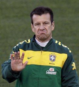 Dunga, ex seleccionador de Brasil y técnico de Porto Alegre