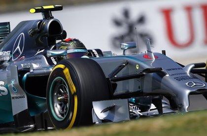 Mercedes mantiene su dominio en los últimos entrenamientos libres
