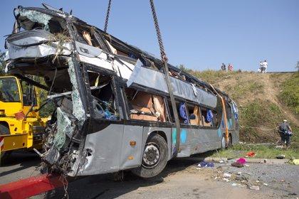 Nueve muertos y 43 heridos en un accidente de autobuses en Alemania