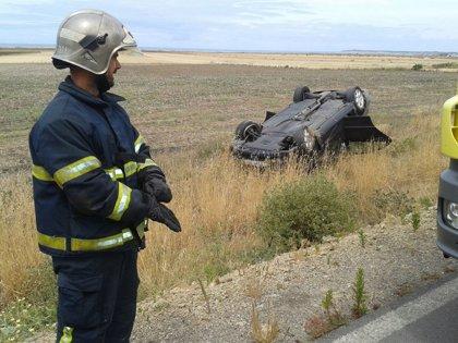 Heridas tres personas en un accidente de tráfico en la carretera de El Palmar, a la altura de Conil