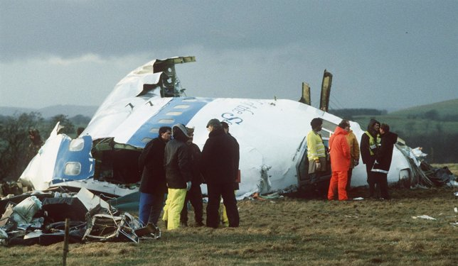 Restos del avión de Pan Am en la localidad de Lockerbie