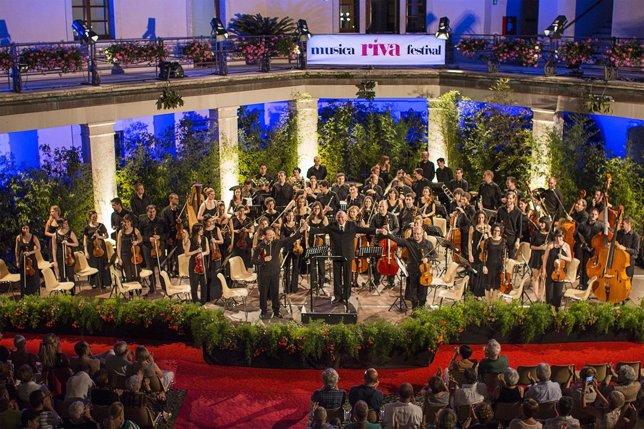 La ORA ofrece su primer concierto en el festival 'Riva del Garda'.