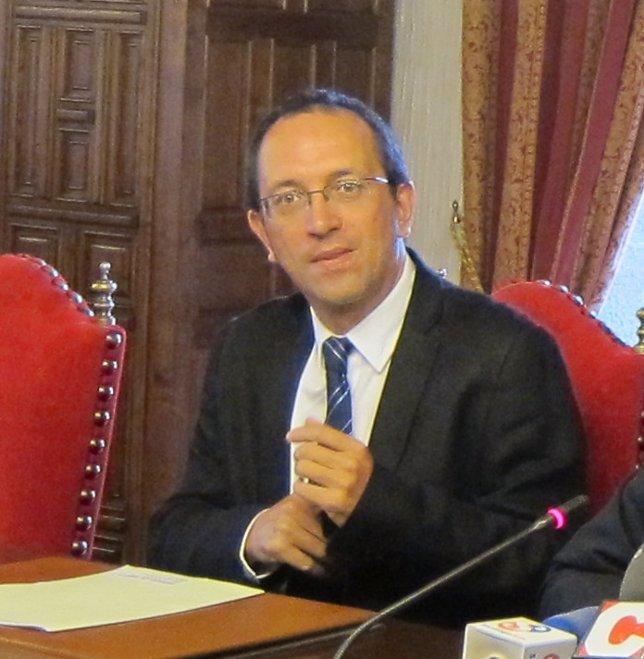 Anxo Lorenzo Habla Sobre Los Recortes De Ayudas Al Gallego