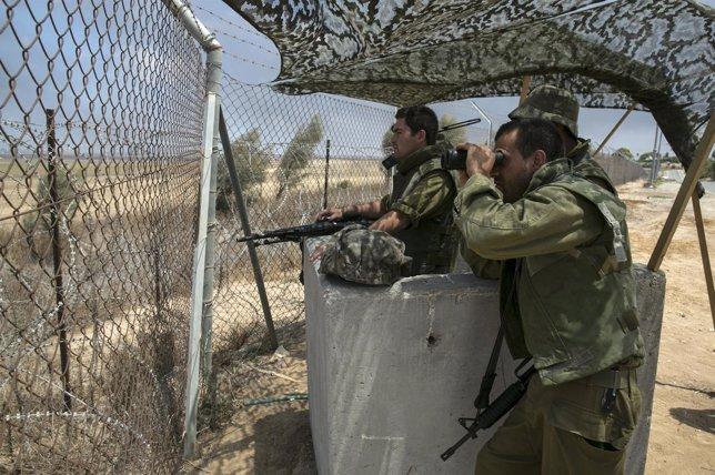Soldados israelíes en Gaza