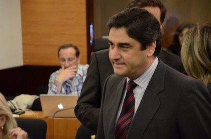"""Echániz defiende la """"realidad"""" de los pacientes de la Sanidad de C-LM frente a """"agoreros"""""""