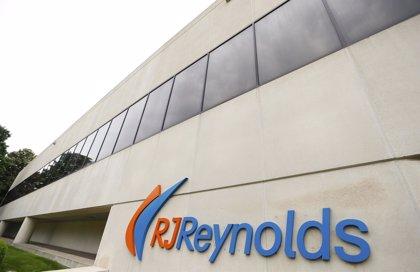 La tabacalera RJ Reynolds,  condenada a pagar 23.000 millones a la viuda de un fumador