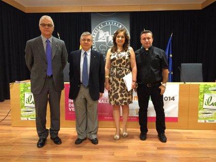 El lenguaje como vehículo de evangelización, a debate en Cáceres