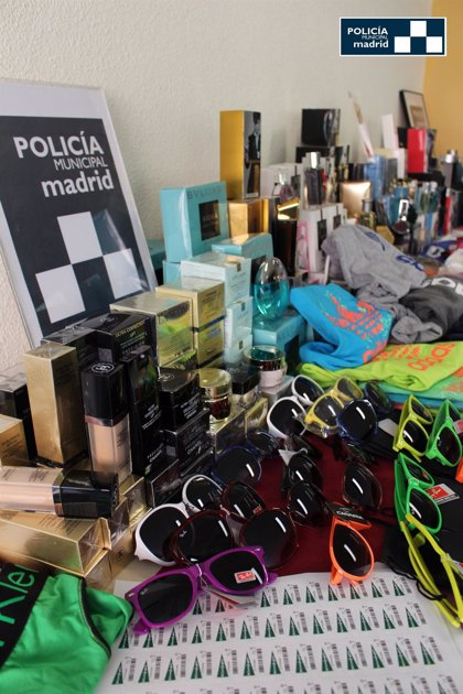 Intervenidos 7.000 productos falsificados en un piso de Centro