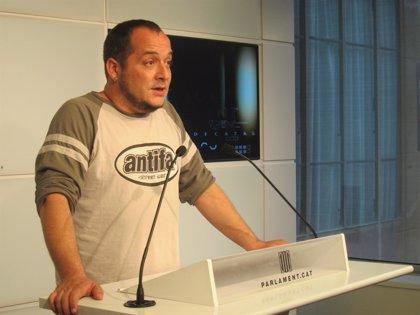 Fernàndez (CUP) destinará a Can Vies (Barcelona) la indemnización de un mosso condenado por pegarle