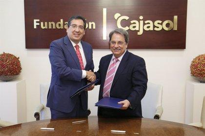 La Fundación Cajasol y la UNIA suscriben un convenio para becar a alumnos de dos cursos de verano