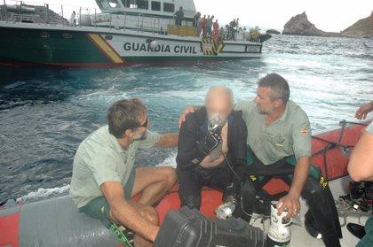 La Guardia Civil recupera el cadáver del submarinista muerto en una cueva de L'Estartit