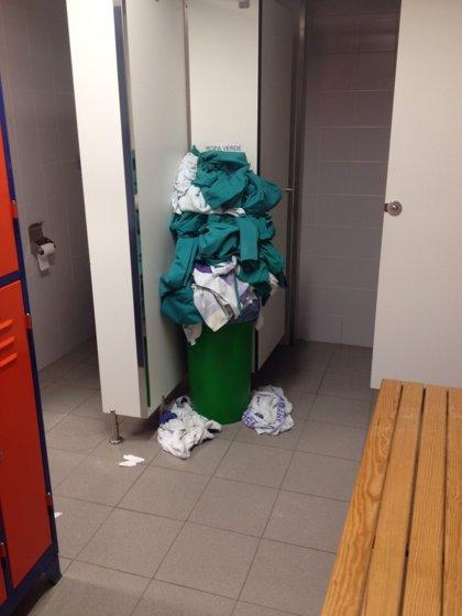 """ATI denuncia que los vestuarios de trabajadores de Valdecilla """"no se limpian el fin de semana"""""""
