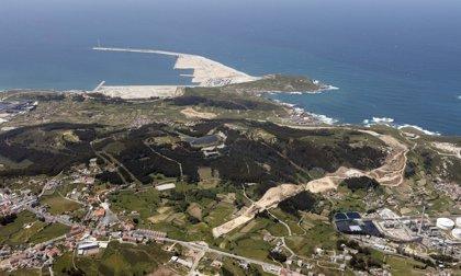 La Autoridad Portuaria de A Coruña pierde 722.000 euros en 2013 al aumentar amortizaciones y gastos financieros