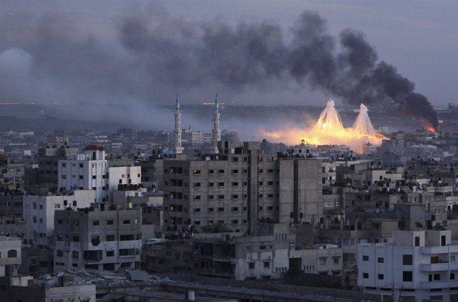 Dos bombas de fósforo blanco estallan en Gaza el 8 de enero de 2009