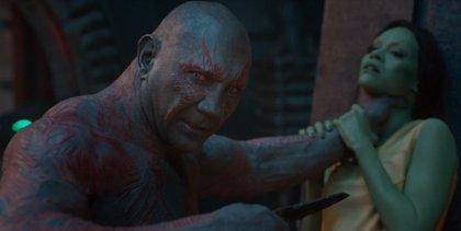 VÍDEO: Drax amenaza a Gamora en Guardianes de la galaxia