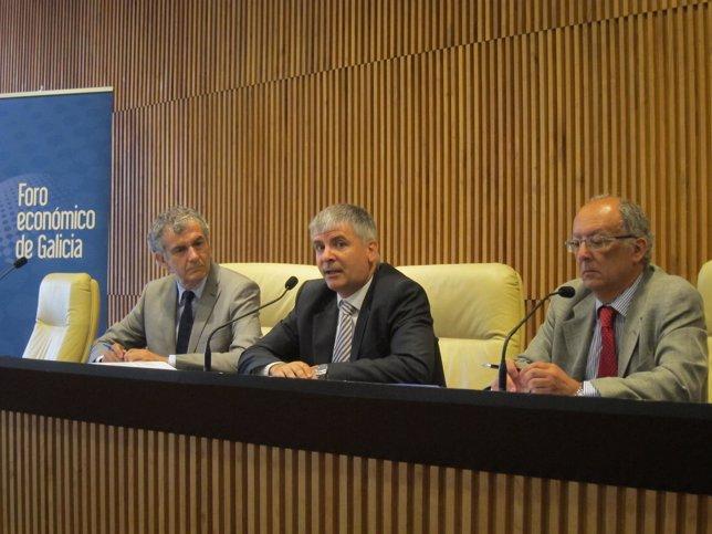 José Luis Gómez, Santiago Lago y Fernando González Laxe (Foro económico)