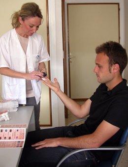 Consulta para detectar lunares o manchas sospechosas de cáncer de piel
