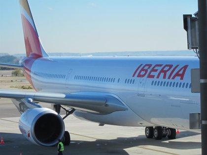 Sindicatos lamentan que los tripulantes de cabina queden fuera del ERE voluntario pactado con Iberia