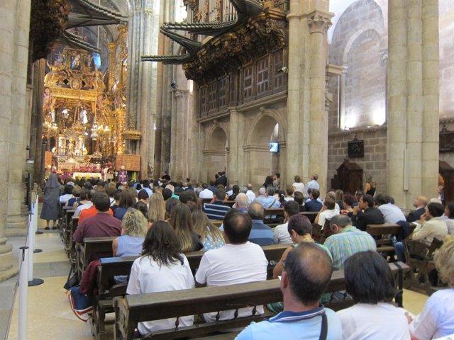 Misa en recuerdo a las víctimas de Angrois, en la Catedral de Santiago