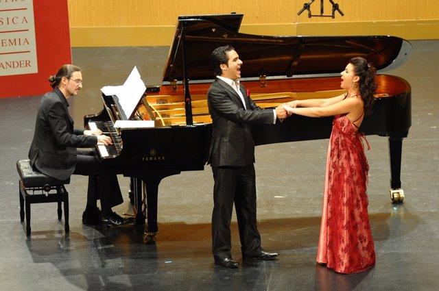 El tenor César Arrieta y la mezzosoprano Ana Moroz