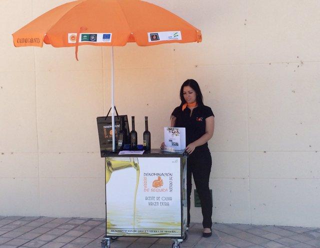 Carrito promocional de aceite con DO Sierra de Segura