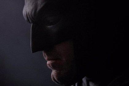 Nueva imagen de Ben Affleck con la máscara de Batman