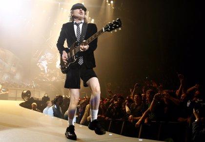 Más de 3.000 euros por el primer single de AC/DC