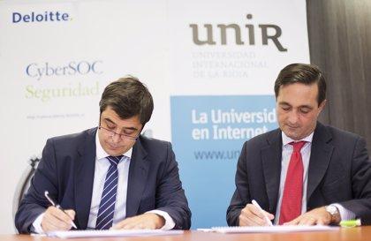 UNIR Business School firma un convenio de colaboración con Deloitte para la creación del Máster en Ciberseguridad