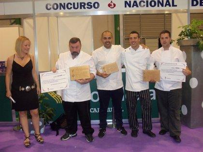 Óscar Rodríguez, ganador del VI Concurso Nacional de Cocina Ajo Morado de Las Pedroñeras