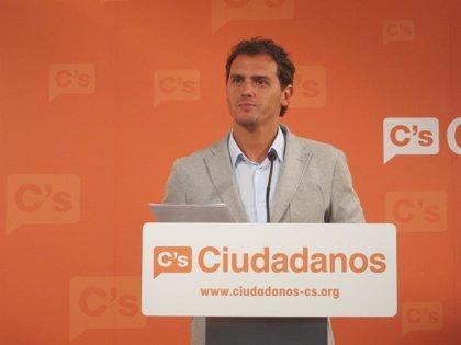Rivera reclama a CiU y ERC que apoyen la comparecencia de Jordi Pujol en el Parlament