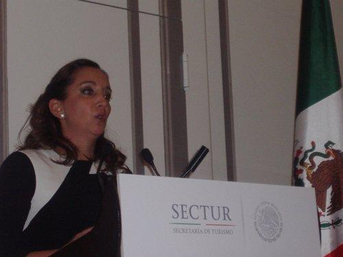La secretaria de Turismo de México, Claudia Ruiz Massieu