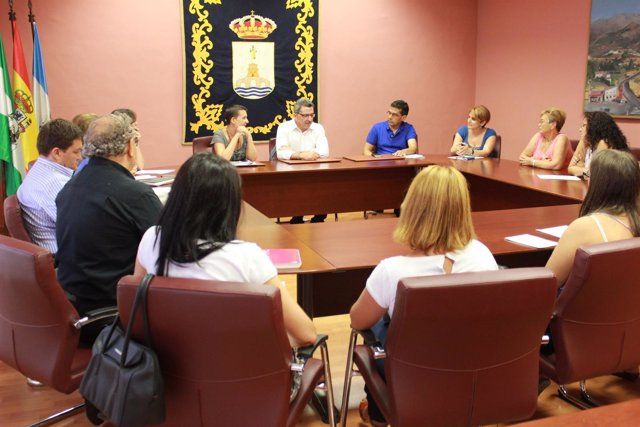 Gutiérrez Limones se reúne con representantes sociales de la ciudad.