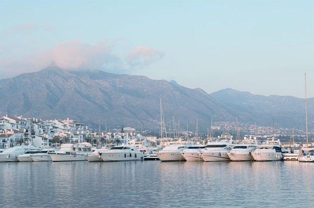 Puerto banús deportivo turismo marbella lujo ocio barco relax costa del sol