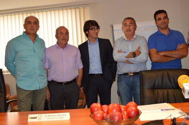 El director de Afrucat, Manel Simón, con cooperativas y organizaciones agrarias