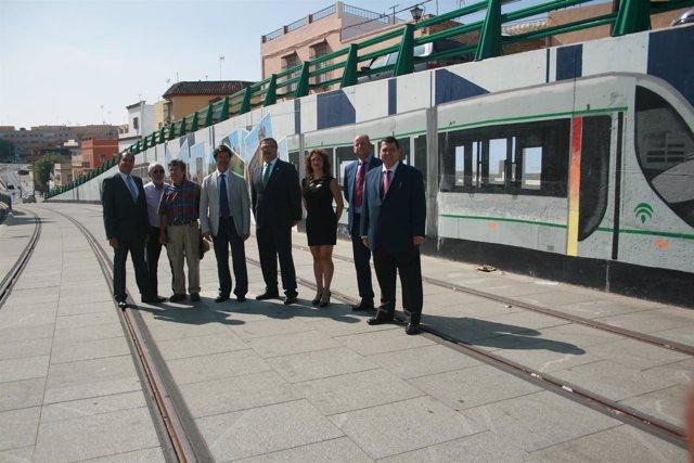 Presidente de la CES, en la visita a las obras del tranvía de Alcalá de Guadaíra
