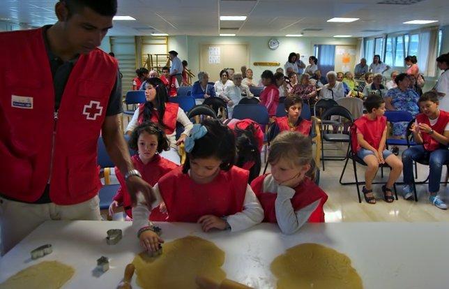 Encuentro intergeneracional de Cruz Roja.