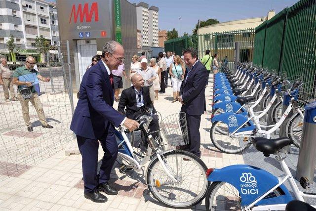 Alcalde de Málaga, De la Torre, con el servicio de préstamo de bicicletas