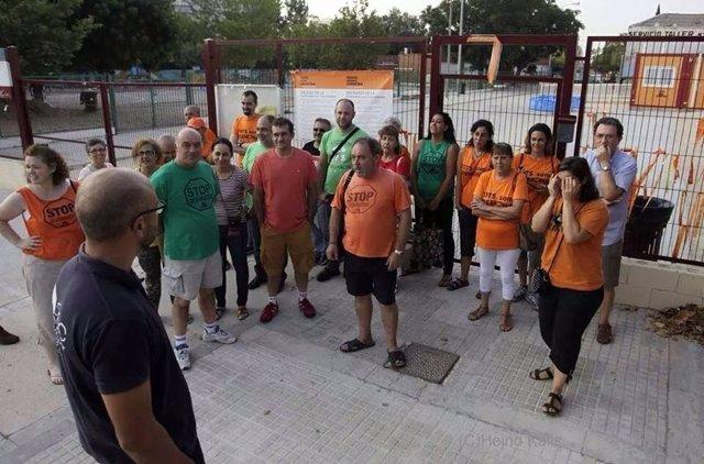 Plataforma Cremona se concentra para impedir el traslado de barracones