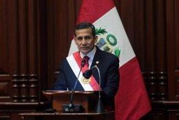 El presidente de Perú, Ollanta Humala, pronuncia un discurso ante el Congreso
