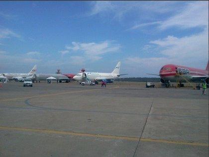 """IATA denuncia que Venezuela """"bloquea"""" el pago de 4.100 millones de dólares a aerolíneas"""