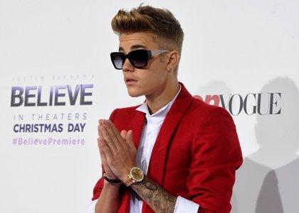 Justin Bieber esquiva un puñetazo de Orlando Bloom en Ibiza