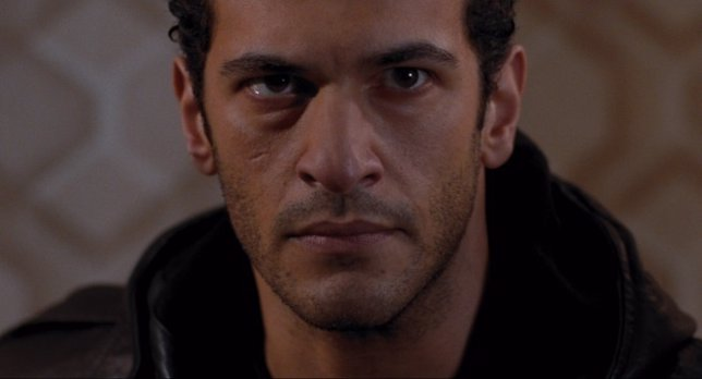 Agents of S.H.I.E.L.D. Ficha a Simon Kassianides