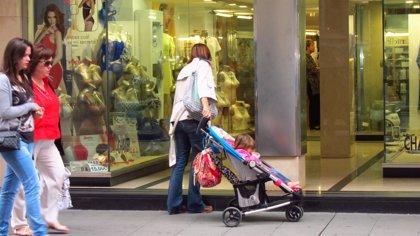 Los permisos de maternidad bajan un 8,69% en Galicia