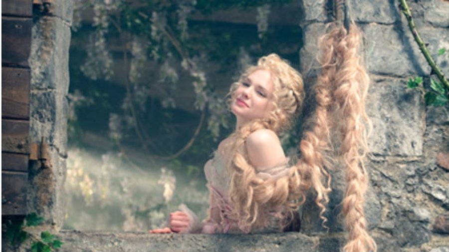 Rapunzel (Mackenzie Mauzy) en Into The Woods